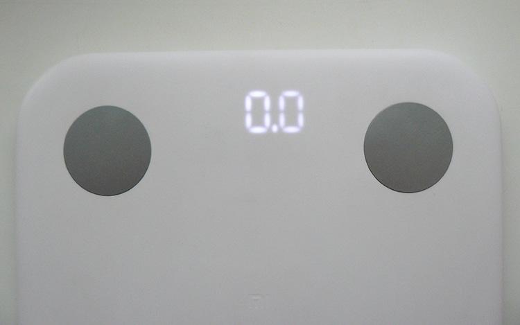 вес на дисплее