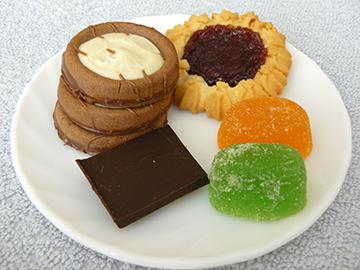 печенья, шоколад и мармелад