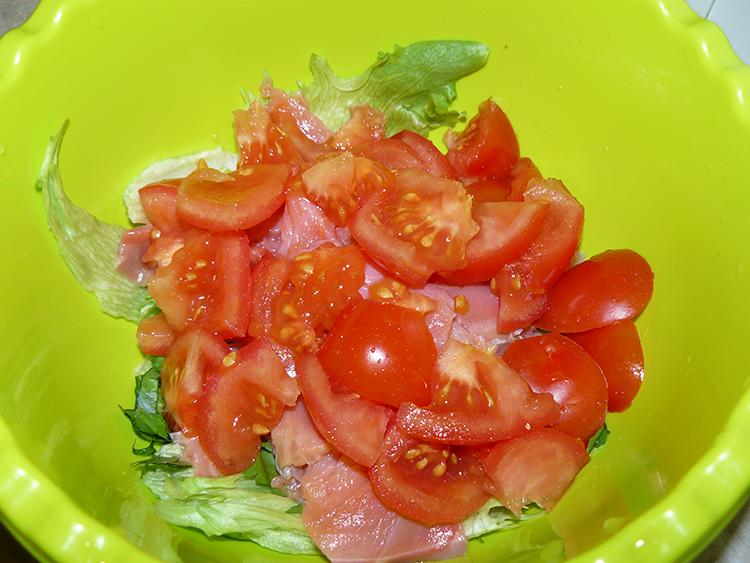 помидоры и форель