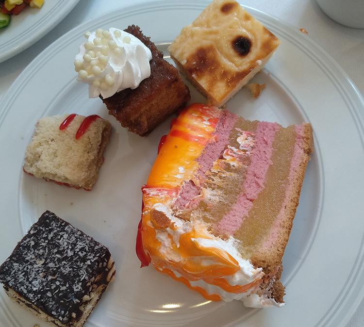 торты и пирожные