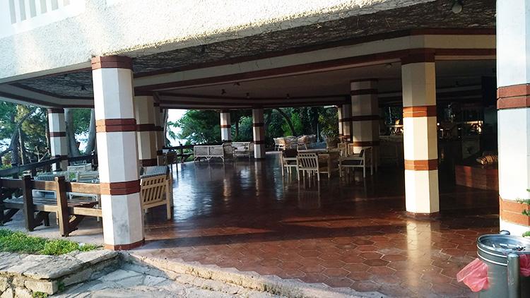бар возле ресторана